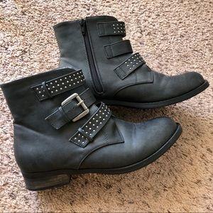 Diba size 8.5 black boots